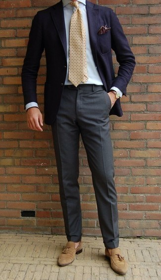 How to Wear Tan Suede Tassel Loafers: Putting together a navy blazer and charcoal dress pants is a surefire way to infuse your wardrobe with some manly sophistication. Introduce a pair of tan suede tassel loafers to this ensemble for maximum fashion points.