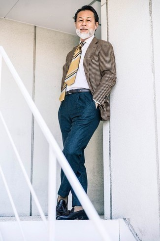 How to Wear Teal Dress Pants For Men: This combo of a brown houndstooth blazer and teal dress pants can only be described as devastatingly dapper and sophisticated. Complete this look with navy leather tassel loafers and ta-da: the ensemble is complete.
