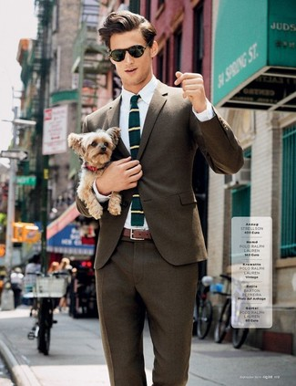 How to Wear a Dark Green Horizontal Striped Wool Tie For Men: You're looking at the definitive proof that a brown blazer and a dark green horizontal striped wool tie are amazing when worn together in a sophisticated ensemble for a modern dandy.