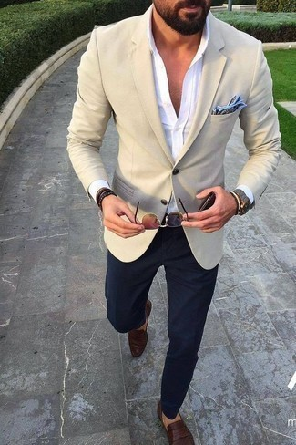 How to Wear a Light Blue Print Pocket Square: This casual combination of a beige blazer and a light blue print pocket square is a safe option when you need to look dapper but have no extra time to dress up. Why not introduce dark brown leather loafers to the mix for a dash of refinement?