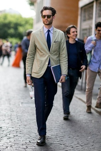 How to Wear Olive Sunglasses For Men: You'll be amazed at how easy it is for any gent to pull together a casual street style ensemble like this. Just a beige blazer paired with olive sunglasses. Black leather derby shoes will bring an extra touch of style to an otherwise all-too-common ensemble.