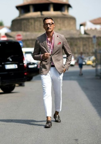 How to Wear White Dress Pants For Men: Rock a tan blazer with white dress pants for elegant style with a modern take. A pair of dark brown leather tassel loafers is a good pick to complete this outfit.
