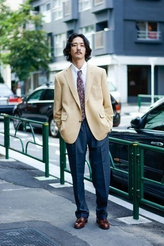 Men's Looks & Outfits: What To Wear In 2020: For a look that's sharp and wow-worthy, choose a tan blazer and navy dress pants. Add a pair of brown leather tassel loafers to the equation et voila, the outfit is complete.