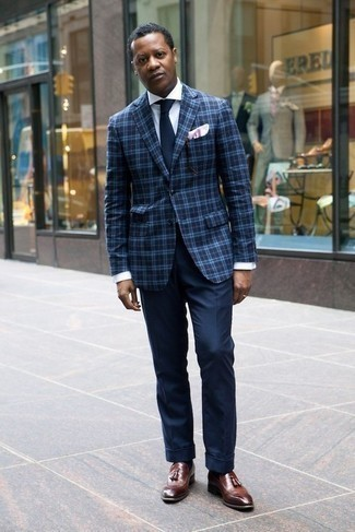 How to Wear a Navy Plaid Blazer For Men: This combination of a navy plaid blazer and navy dress pants is a never-failing option when you need to look like a contemporary gentleman. When in doubt about what to wear when it comes to footwear, stick to brown leather tassel loafers.