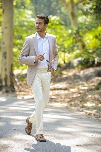 How to Wear Beige Dress Pants For Men: For an ensemble that's elegant and gasp-worthy, wear a beige blazer with beige dress pants. This outfit is complemented wonderfully with a pair of tan leather tassel loafers.