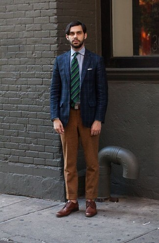 How to Wear Brown Leather Derby Shoes: You'll be amazed at how easy it is to get dressed like this. Just a navy check blazer and tobacco dress pants. Introduce brown leather derby shoes to your ensemble and ta-da: this outfit is complete.