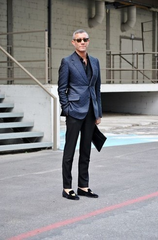 How to Wear Black Embroidered Velvet Loafers For Men: Teaming a blue blazer and black dress pants will create a classic, rugged silhouette. For maximum effect, complement this outfit with black embroidered velvet loafers.