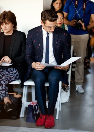 How to Wear Burgundy Suede Oxford Shoes: A navy vertical striped blazer and navy dress pants are a sophisticated look that every dapper gentleman should have in his sartorial collection. Feel uninspired with this look? Invite a pair of burgundy suede oxford shoes to mix things up a bit.