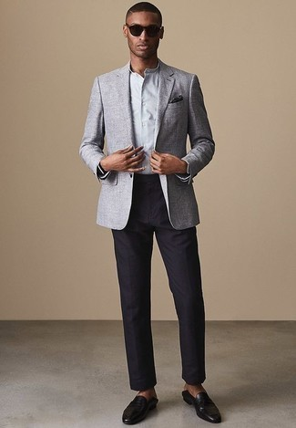 How to Wear Navy Dress Pants For Men: For manly refinement with a fashionable spin, try pairing a grey blazer with navy dress pants. Add a pair of black leather loafers to your outfit and off you go looking amazing.