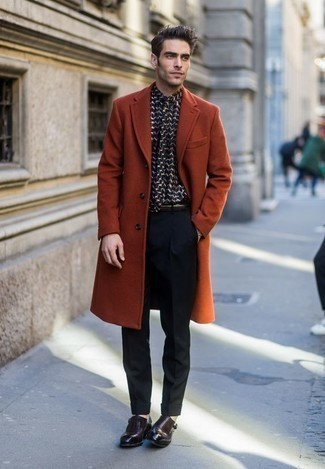 Men's Looks & Outfits: What To Wear In 2020: This look demonstrates it is totally worth investing in such timeless menswear pieces as a tobacco overcoat and black dress pants. Add a pair of dark brown leather double monks to this ensemble to effortlessly up the appeal of this outfit.