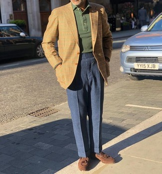 How to Wear a Beige Gingham Blazer For Men: Pair a beige gingham blazer with navy wool dress pants for a neat refined look. Consider a pair of brown suede tassel loafers as the glue that will pull your ensemble together.