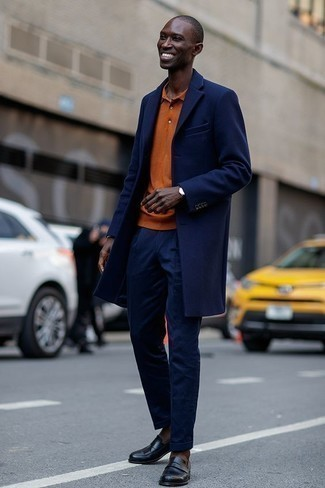 Men's Looks & Outfits: What To Wear In 2020: Teaming a navy overcoat and navy dress pants is a guaranteed way to infuse your styling routine with some rugged elegance. Balance out your outfit with a more laid-back kind of footwear, such as this pair of black leather tassel loafers.