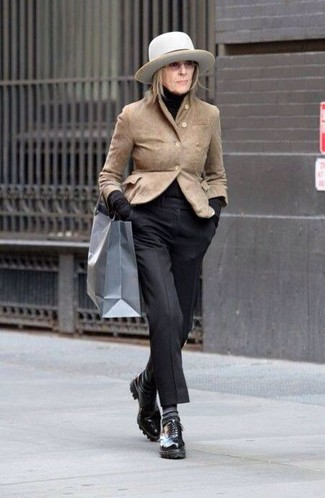 How to wear: black leather oxford shoes, black dress pants, black turtleneck, tan suede blazer