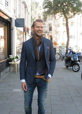 How to Wear a Dark Brown Print Scarf For Men: For something more on the relaxed side, wear this combination of a navy denim jacket and a dark brown print scarf.