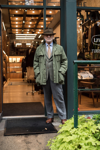 How to Wear a Dark Brown Wool Hat For Men: Reach for an olive military jacket and a dark brown wool hat for a knockout and trendy outfit. Complement this outfit with brown leather derby shoes for an air of sophistication.