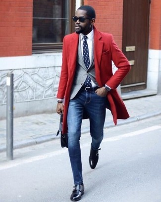 How to wear: blue skinny jeans, white dress shirt, grey blazer, red overcoat