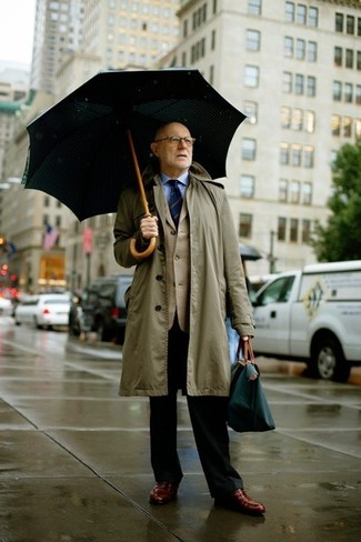 How to wear: black dress pants, light blue dress shirt, beige blazer, olive raincoat