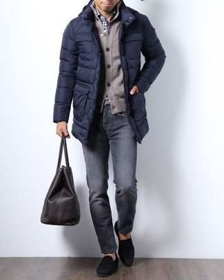 How to wear: charcoal jeans, white and navy gingham dress shirt, brown cardigan, navy puffer coat