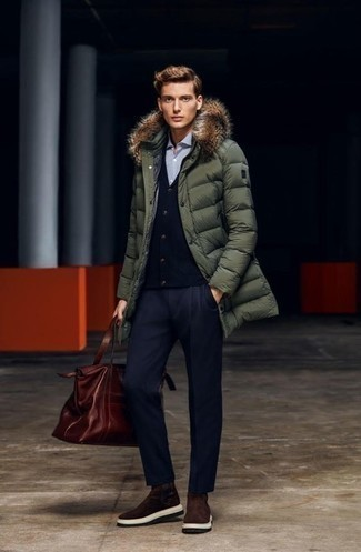How to Wear Dark Brown Suede Chelsea Boots For Men: An olive puffer coat and navy dress pants are absolute essentials if you're figuring out a stylish closet that holds to the highest sartorial standards. Complete this look with a pair of dark brown suede chelsea boots and the whole look will come together perfectly.