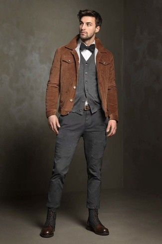 How to wear: charcoal cargo pants, white dress shirt, grey cardigan, brown suede shirt jacket