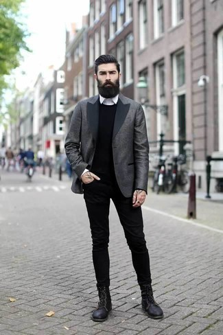 How to Wear a Black Crew-neck Sweater For Men: A black crew-neck sweater and black jeans paired together are a sartorial dream for those dressers who prefer casual and cool ensembles. Turn up the formality of this outfit a bit by slipping into black leather casual boots.