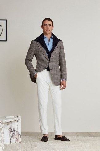 How to Wear a Light Blue Dress Shirt For Men: Inject a hint of effortless refinement into your current lineup with a light blue dress shirt and white chinos. Not sure how to round off? Add a pair of dark brown leather driving shoes to the mix for a more casual finish.
