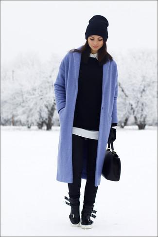 How to wear: black skinny jeans, white dress shirt, black crew-neck sweater, blue coat