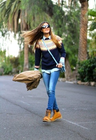 How to Wear a Light Blue Dress Shirt For Women: Team a light blue dress shirt with blue skinny jeans for a laid-back ensemble with a clear fashion twist. When it comes to shoes, this outfit is finished off well with tan leather lace-up ankle boots.