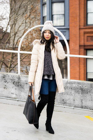 How to wear: navy skinny jeans, white and black plaid dress shirt, charcoal crew-neck sweater, beige puffer coat