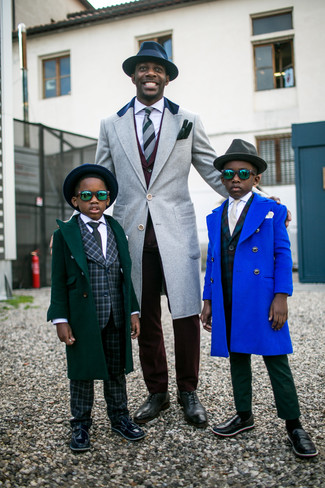 How to wear: charcoal leather oxford shoes, white dress shirt, burgundy suit, grey overcoat