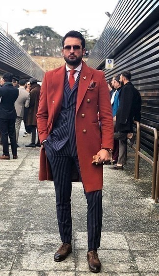 How to Wear a Dark Brown Leather Watch In Cold Weather For Men: Reach for a red overcoat and a dark brown leather watch, if you feel like comfort dressing but also want to look dapper. Put a different spin on an otherwise everyday ensemble by sporting dark brown suede oxford shoes.