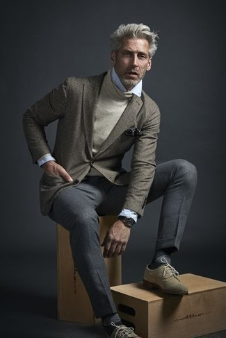 How to Wear a Light Blue Dress Shirt For Men: This combo of a light blue dress shirt and grey dress pants comes in handy when you need to look incredibly sharp. To give your overall look a more casual twist, complement your look with beige suede brogues.