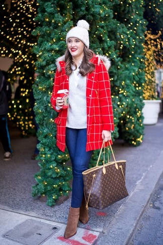 How to wear: blue skinny jeans, white dress shirt, grey v-neck sweater, red check coat