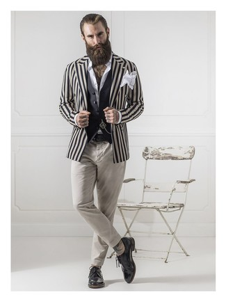 How to Wear a Beige Vertical Striped Blazer For Men: Teaming a beige vertical striped blazer and beige chinos is a fail-safe way to inject your wardrobe with some manly refinement. A pair of black leather brogues instantly revs up the fashion factor of this look.