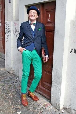 How to wear: green chinos, white dress shirt, navy waistcoat, black blazer