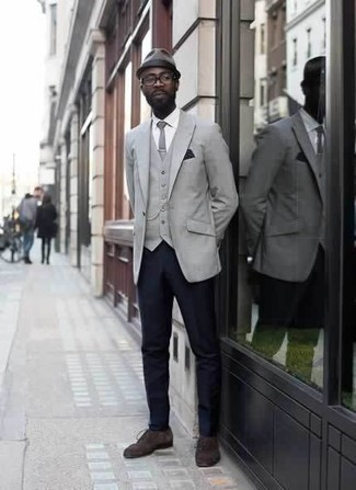 How to Wear Dark Brown Suede Derby Shoes: A grey blazer and navy dress pants are among the unshakeable foundations of a functional wardrobe. If in doubt about the footwear, stick to dark brown suede derby shoes.
