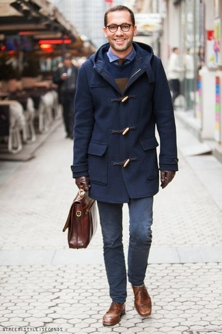 How to wear: navy duffle coat, navy crew-neck sweater, blue seersucker long sleeve shirt, navy chinos