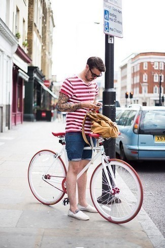 How to Wear Blue Denim Shorts For Men: Who said you can't make a fashionable statement with a casual street style look? Draw the attention in a white and red horizontal striped crew-neck t-shirt and blue denim shorts. Why not throw in white canvas espadrilles for an added touch of refinement?