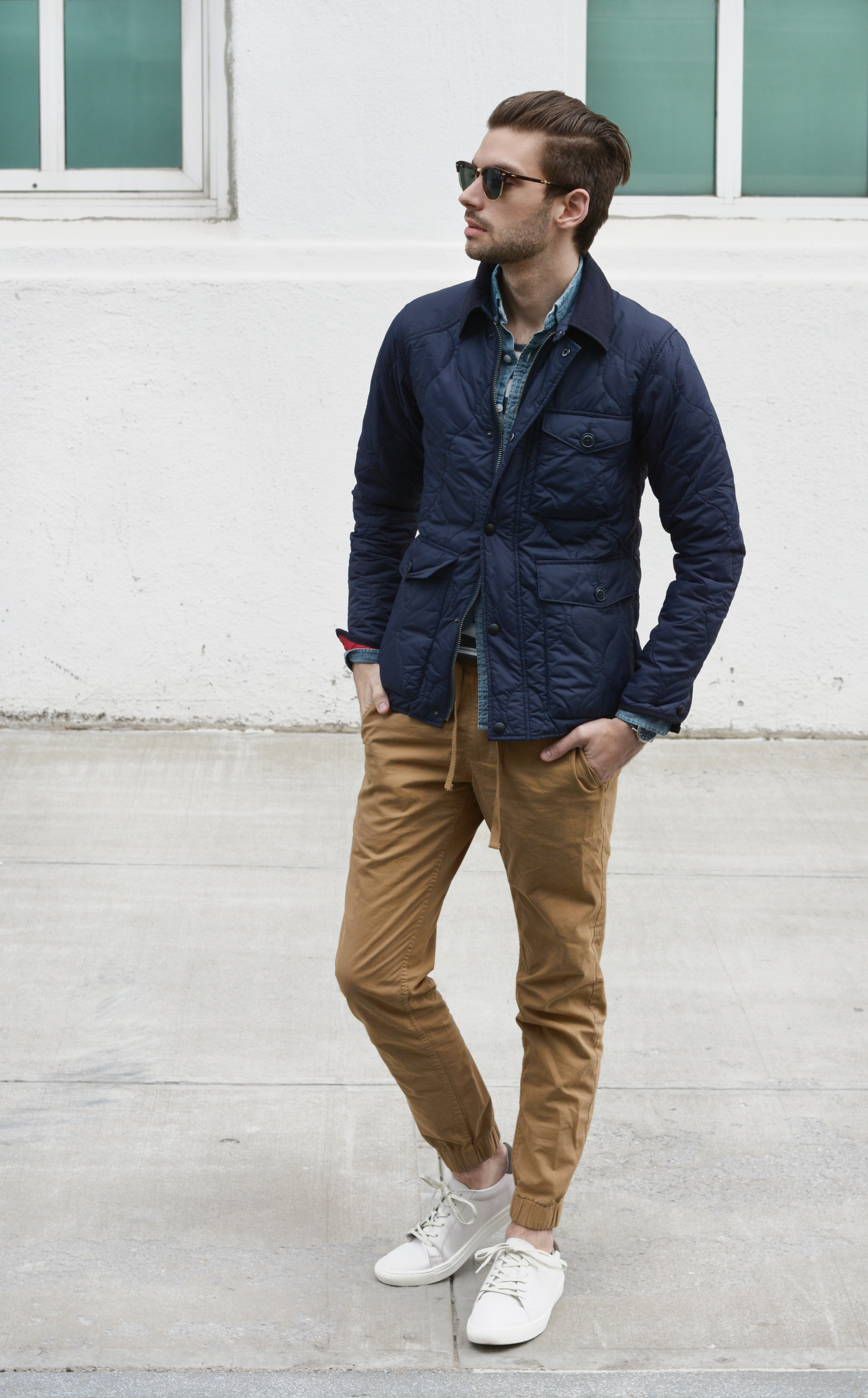 How To Wear Khaki Chinos With White Low Top Sneakers | Men's Fashion