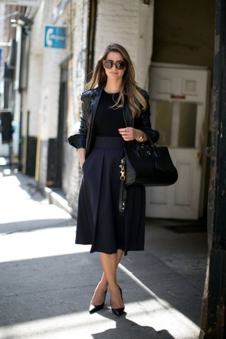 How to Wear a Navy Full Skirt: If you're looking for a relaxed casual yet seriously stylish getup, pair a black leather biker jacket with a navy full skirt. To add a little fanciness to your look, introduce black leather pumps to the mix.