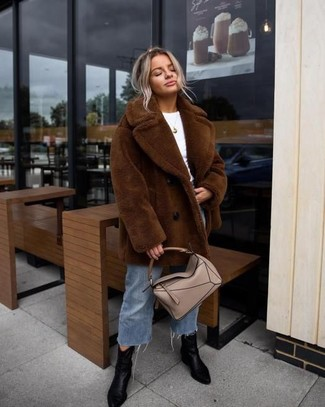 How to wear: brown fur coat, white crew-neck t-shirt, blue denim culottes, black leather ankle boots