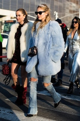 For a nothing less than drool-worthy ensemble, dress in a light blue fur coat and a headband. Make black leather ankle boots your footwear choice to have some fun with things. This combination proves you can still look chic while bundled up.