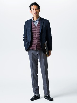 Marry a Comme des Garcons Comme Des Garons Vintage Pvc Trim Blazer with grey dress pants for incredibly stylish attire. Black leather loafers will give your look an on-trend feel. This ensemble is everything for when leaves turn yellow and red and autumn is in the air.