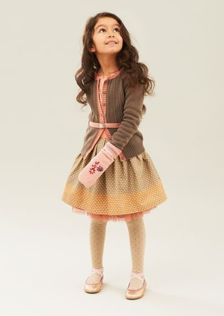 How to Wear Yellow Tights For Girls: This combo of a brown cardigan and yellow tights is both a comfortable and stylish choice for your child. Gold ballet flats are a great choice to complement this getup.