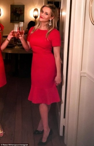 How to Wear a Red Sheath Dress: If the occasion calls for a polished yet neat look, you can rock a red sheath dress. Let your outfit coordination skills really shine by finishing off your ensemble with black leather pumps.