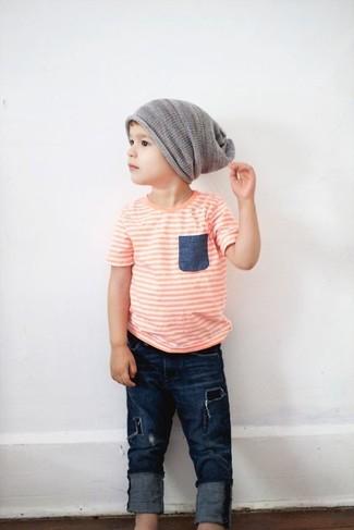 How to wear: grey beanie, navy jeans, orange t-shirt