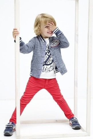 How to wear: grey bomber jacket, white print t-shirt, red jeans, navy sneakers
