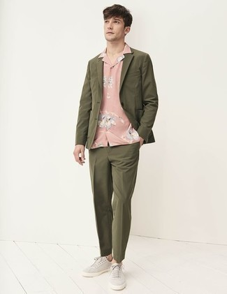 How to Wear Grey Canvas Low Top Sneakers For Men: This combination of an olive suit and a pink floral short sleeve shirt is the perfect base for a smart getup. And if you want to effortlessly dial down this look with one item, introduce a pair of grey canvas low top sneakers to the equation.