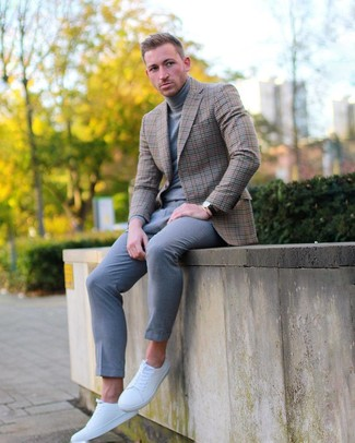 How to wear: white leather low top sneakers, grey chinos, grey turtleneck, brown check blazer