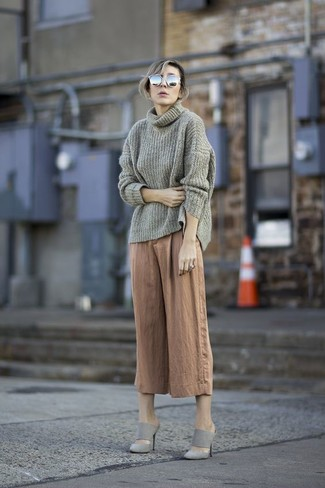 If you're a jeans-and-a-tee kind of gal, you'll like the simple combo of a grey cowl-neck sweater and grey sunglasses. Polish off the ensemble with grey suede mules. When leaves change color and fall is in the air, you'll appreciate how great this look is for transeasonal weather.